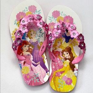 ❤️ 3/$20 Disney Princesses pink flip flops